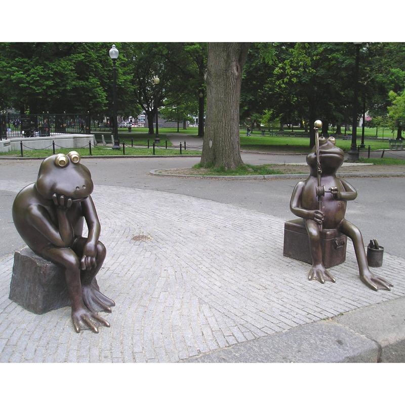 Antique bronze frog metal sculpture for garden decoration