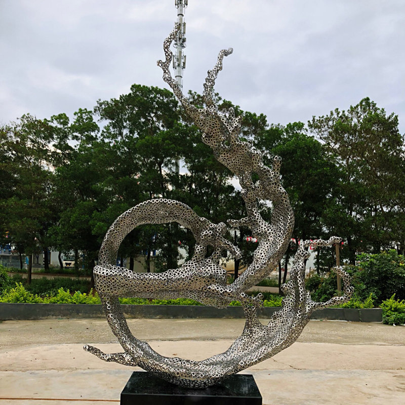 Large Stainless Steel Statue Garden Circle Abstract Metal Sculpture