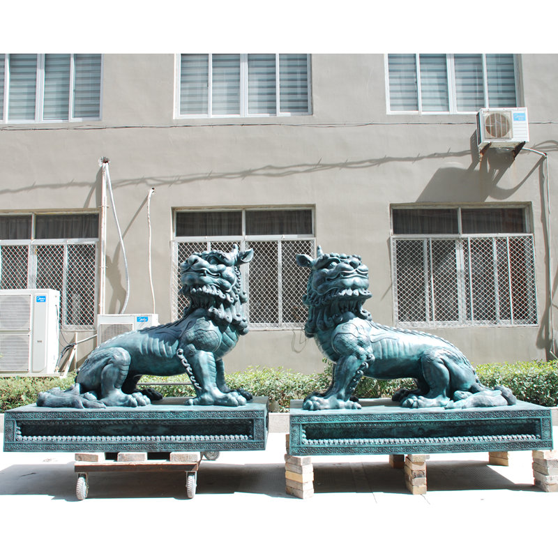 Outdoor Garden Bronze Sculpture Lion Statue