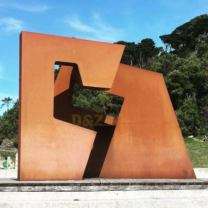 Square Irregular Colton Steel Rusty Sculpture