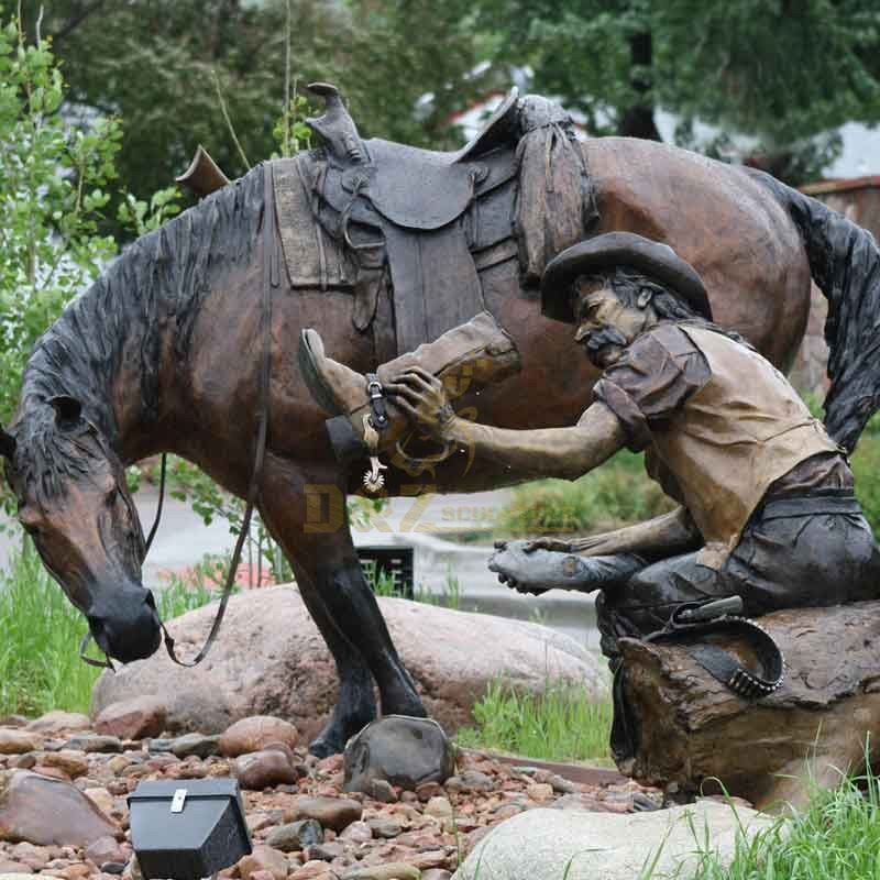 Outdoor Garden Decoration Bronze Life Size Cowboy Riding Horse Sculpture