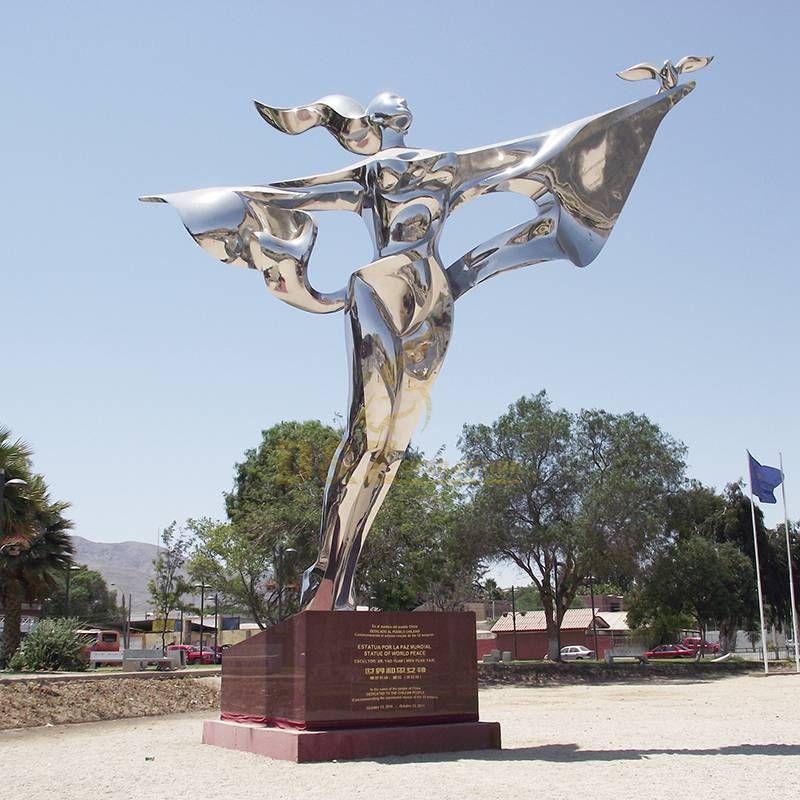 Life size beautiful woman sculpture