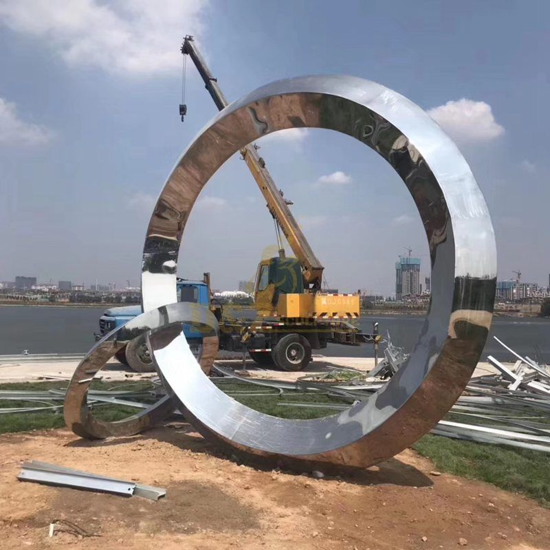 Stainless steel mirror polishing sculpture