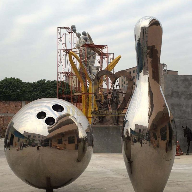 Stainless steel mirror bowling sport sculpture