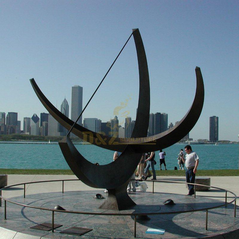 Stainless steel metal art outdoor seaside crescent sculpture