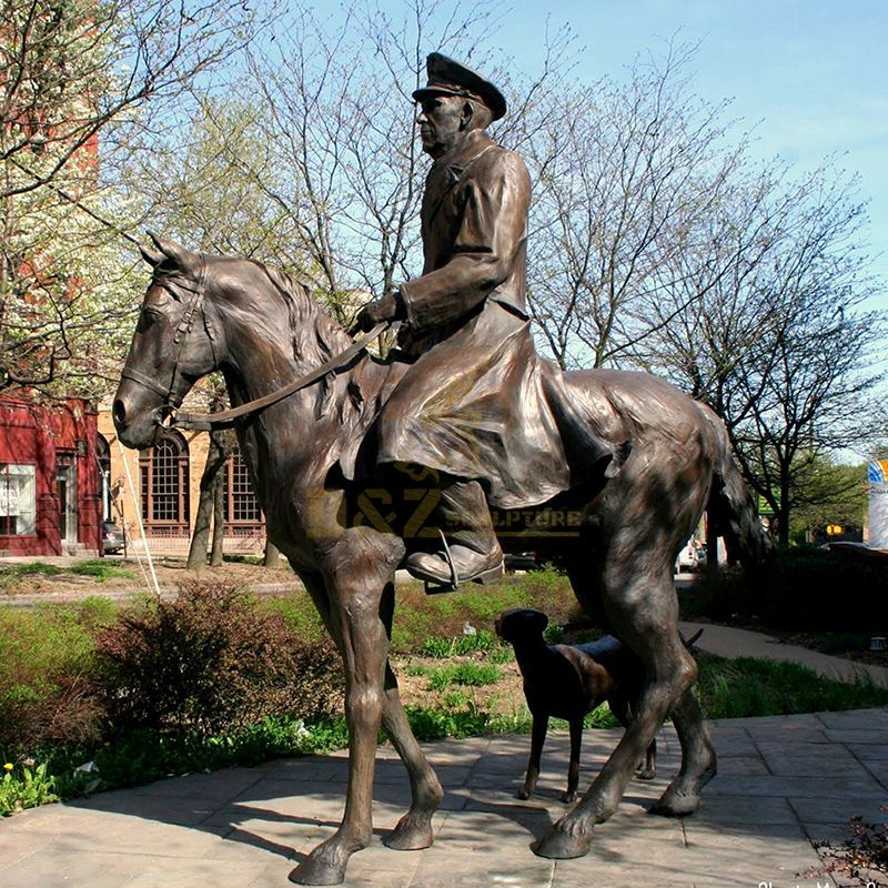 statue of a man on a horse