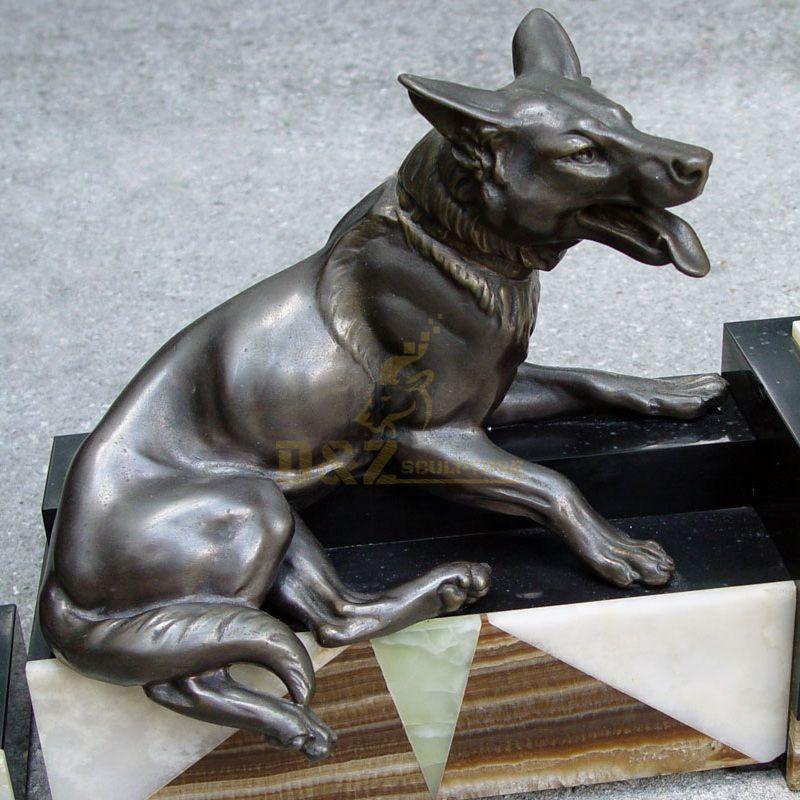 Modern bronze sculpture dog decoration bronze animal sculpture wild