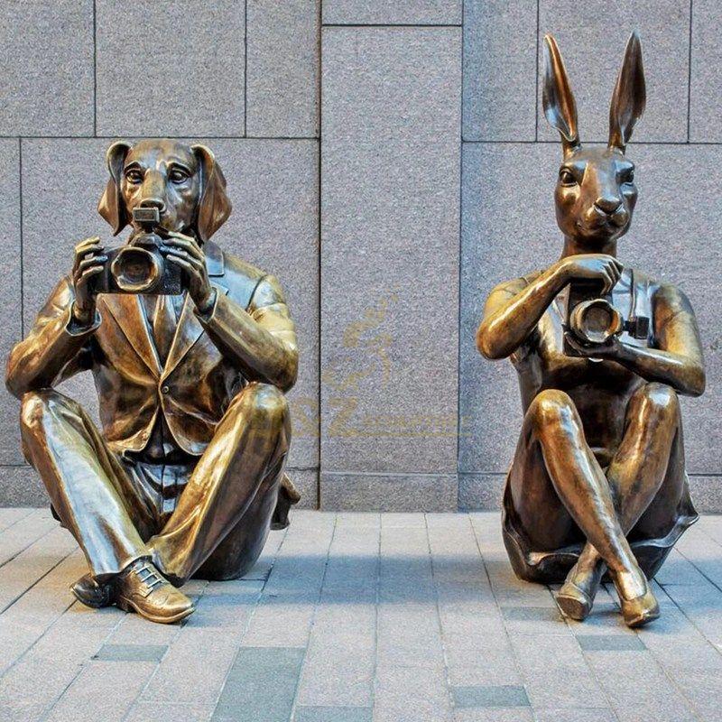 Art modern animal statue hunting dog with rabbit bronze sculpture