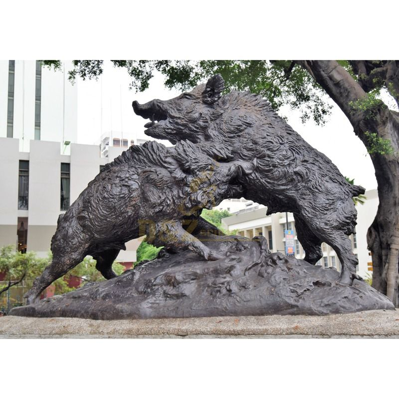 Outdoor bronze wild pig statues fighting large modern sculpture