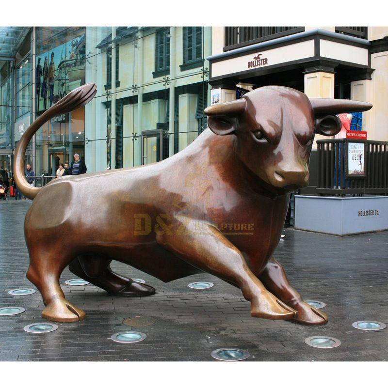 Large outdoor garden life size bronze animal metal cow sculpture