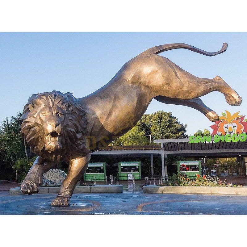 Outdoor large metal bronze lion sculpture