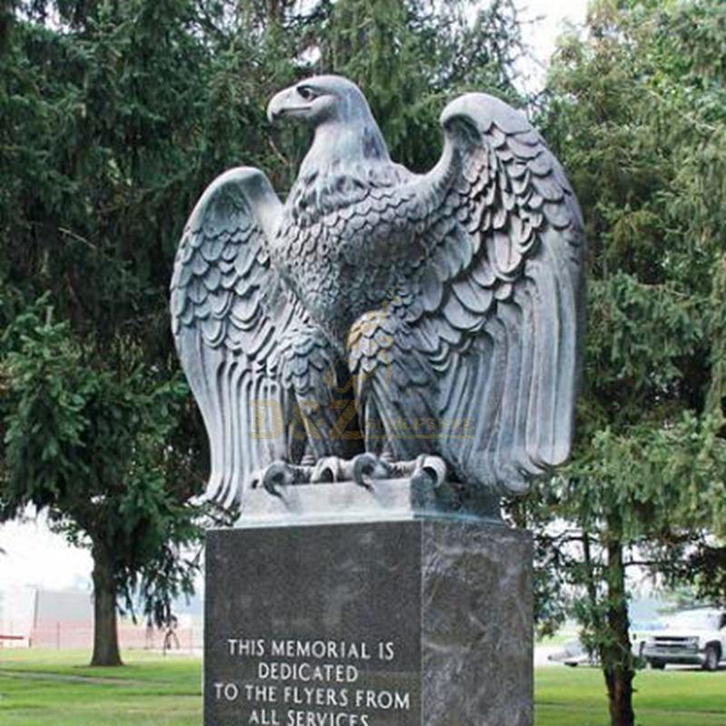 big eagle sculpture