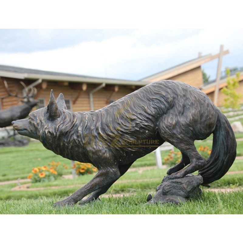 Bronze wolf statuette For Sale