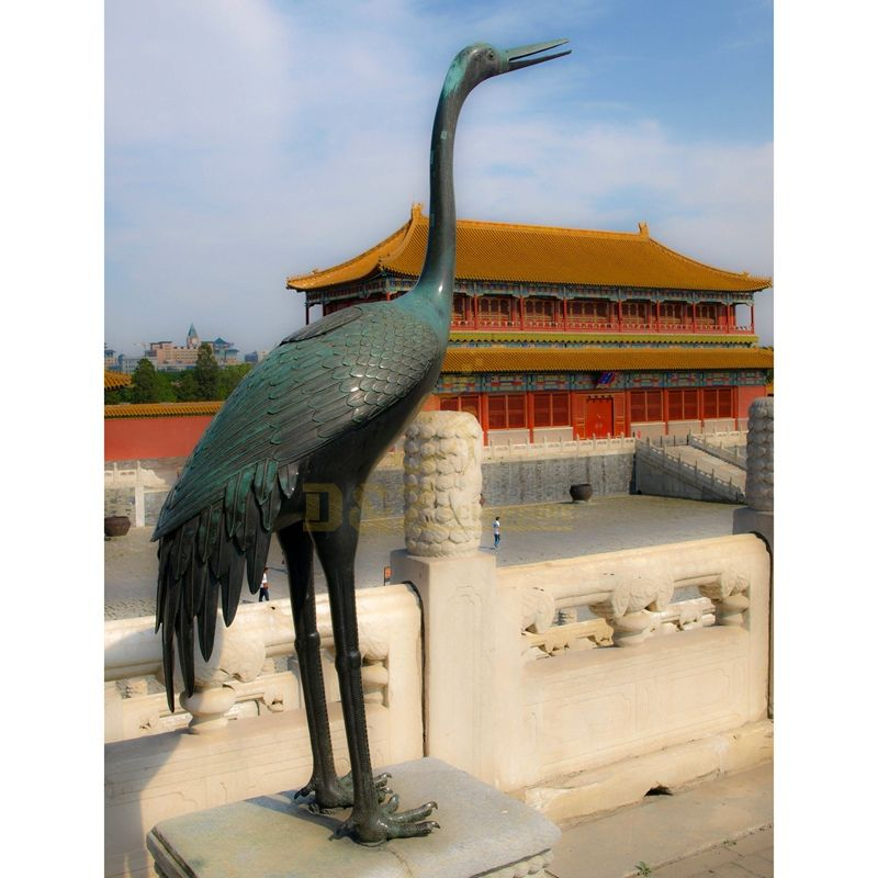 Antique garden art metal bronze crane statue for sale