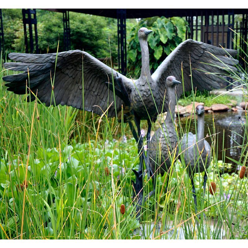 Metal crane statue bronze bird water fountain sculpture