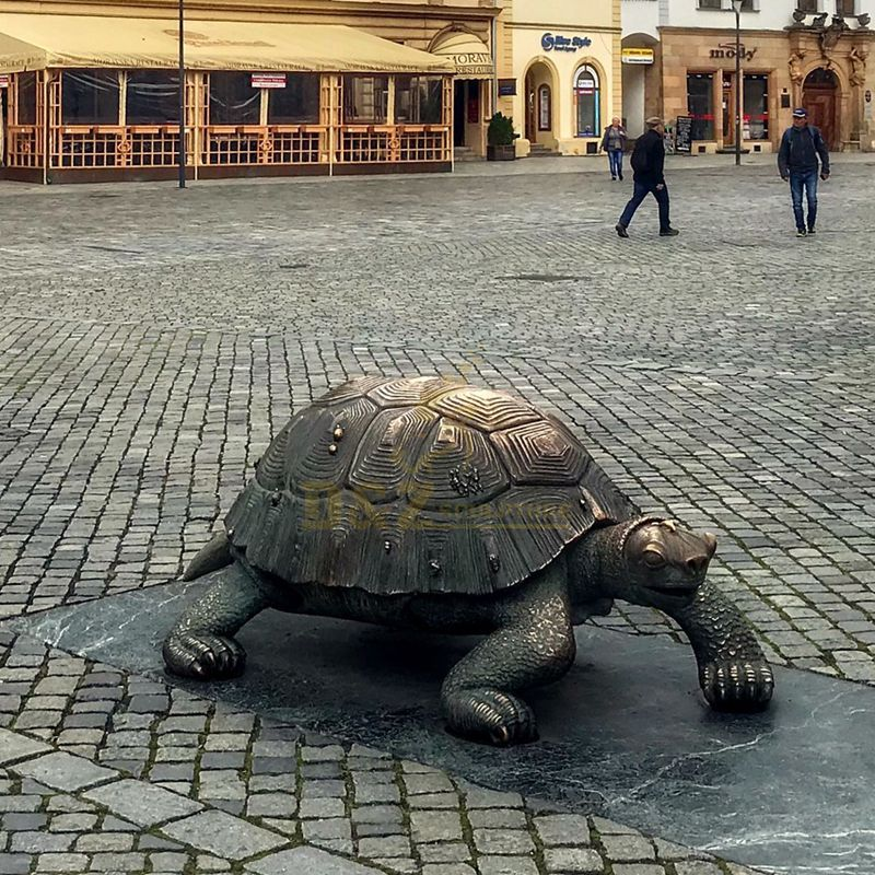 Art statue life size modern cast animal bronze tortoise sculpture