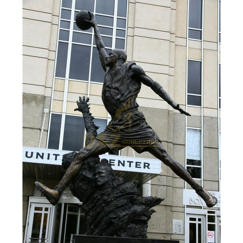 Good quality Life Size Metal Sporting Bronze sculpture
