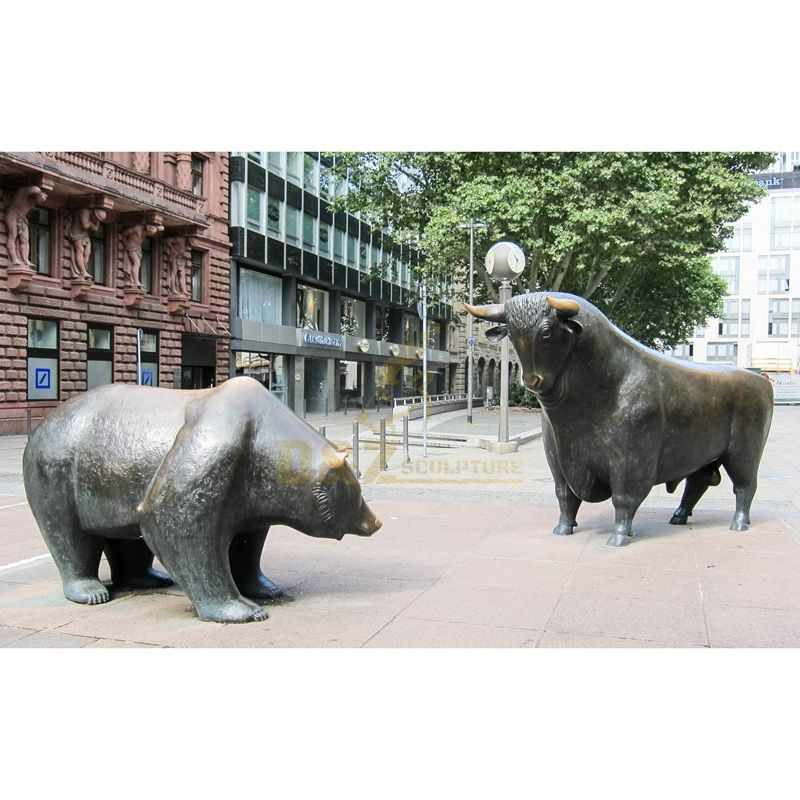 Garden Decorative Cast Bronze Bull VS Bear Sculpture