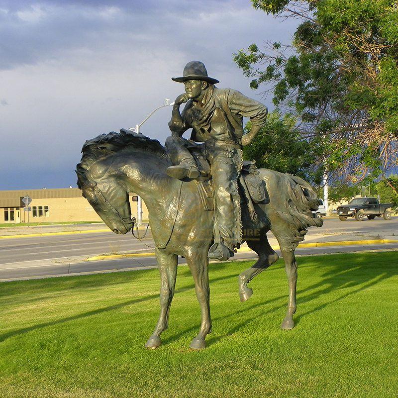 Garden outdoor art metal statue bronze drinking cowboy sculpture