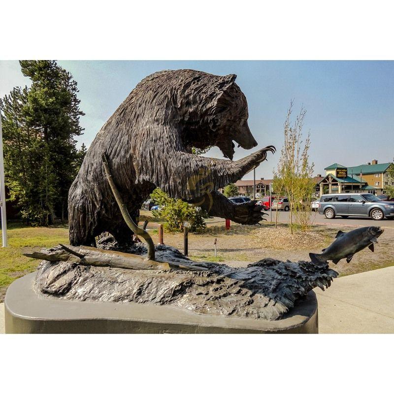 Antique Brass Statue Bronze Bears Catching Fish Sculpture