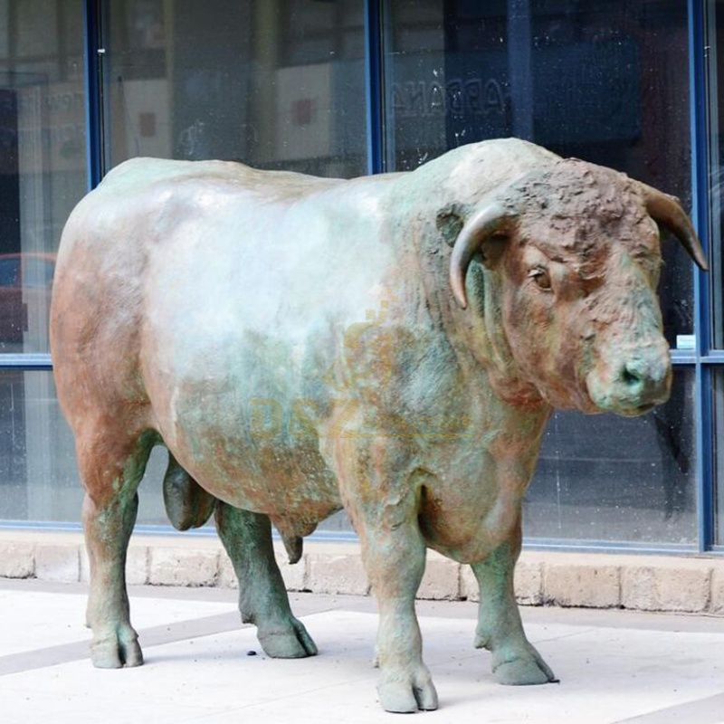 Wall ST Bull Statue