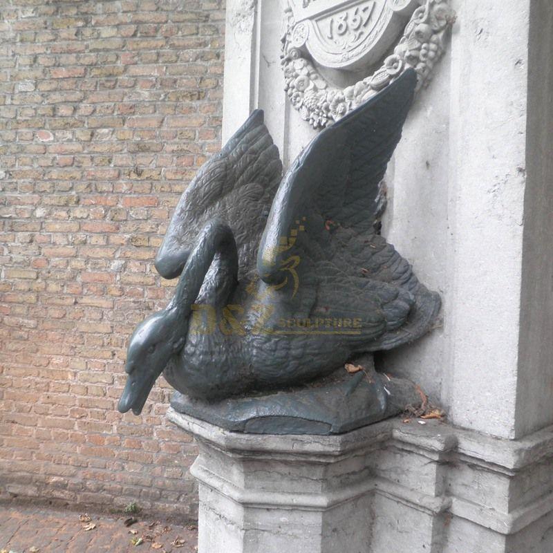 black swan statue