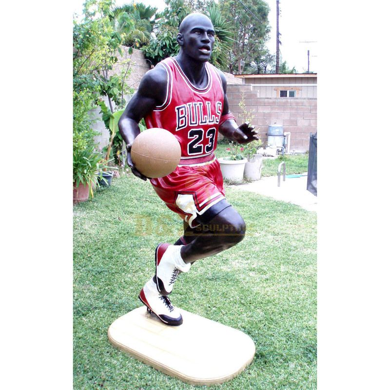 Famous metal bronze basketball player statue for sale