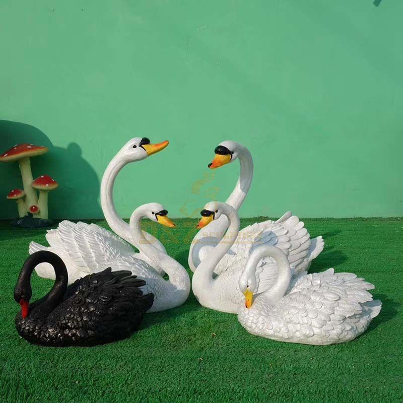 Decorations Animal Sculptures Beautiful Fiberglass Swan Model