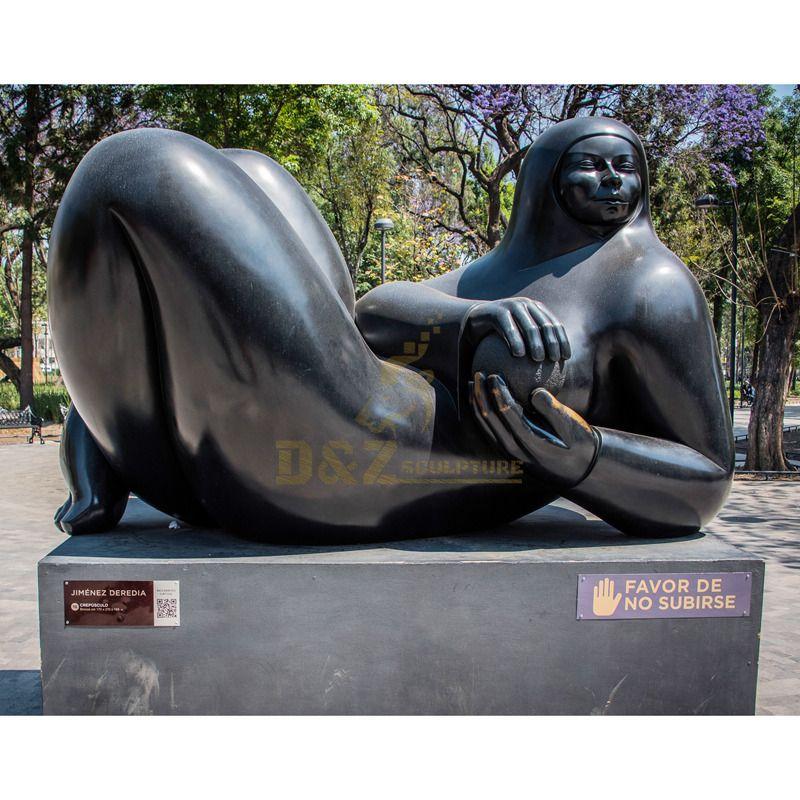 Modern outdoor garden decoration abstract art metal figure statues famous Fernando Botero fat woman bronze sculpture