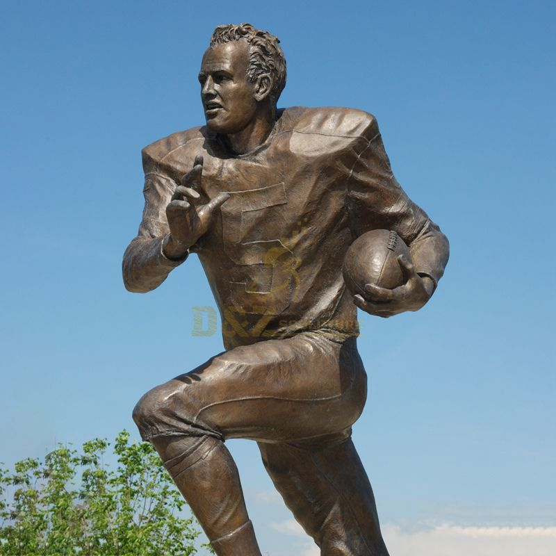 Outdoor Life-Size Custom Rugby Player Bronze Art Sculpture For Sale