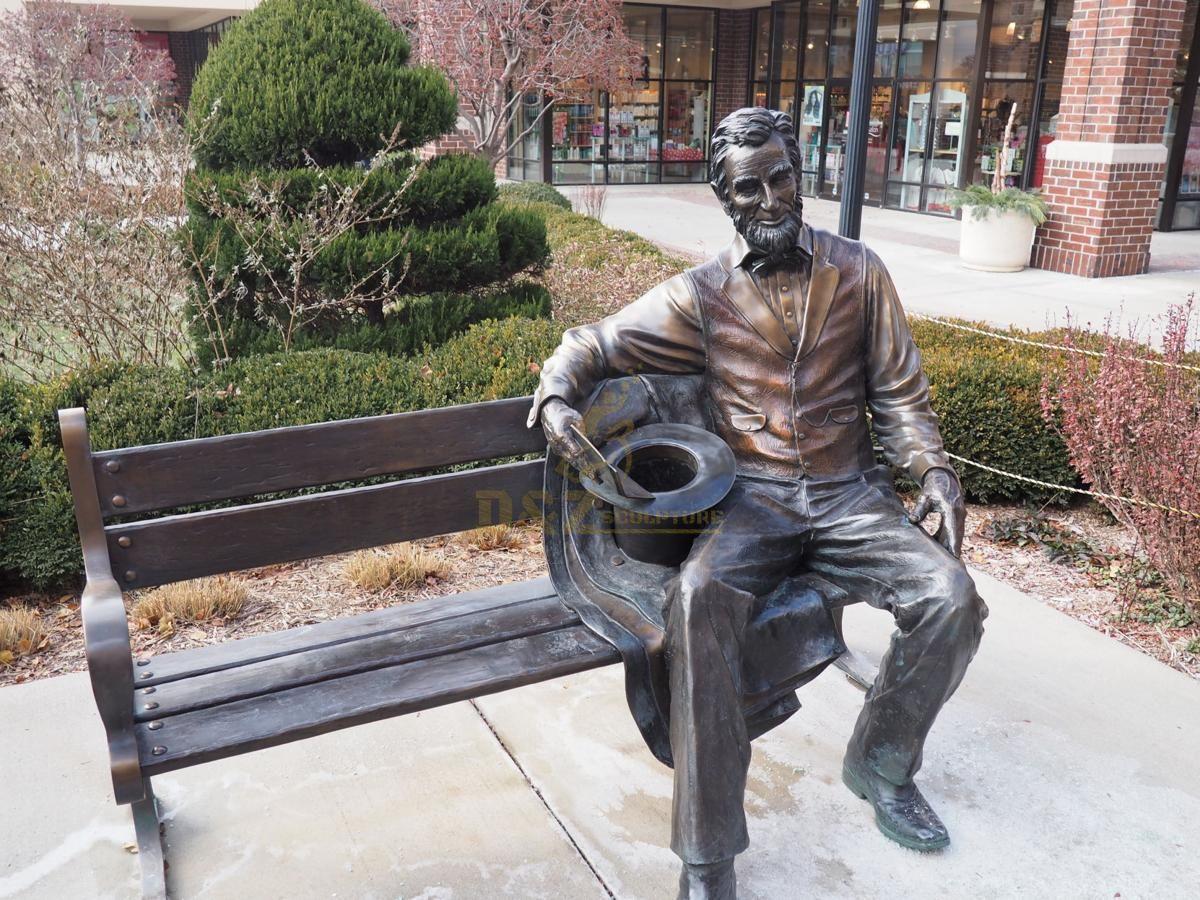 Decoration garden bronze man sitting chair statue