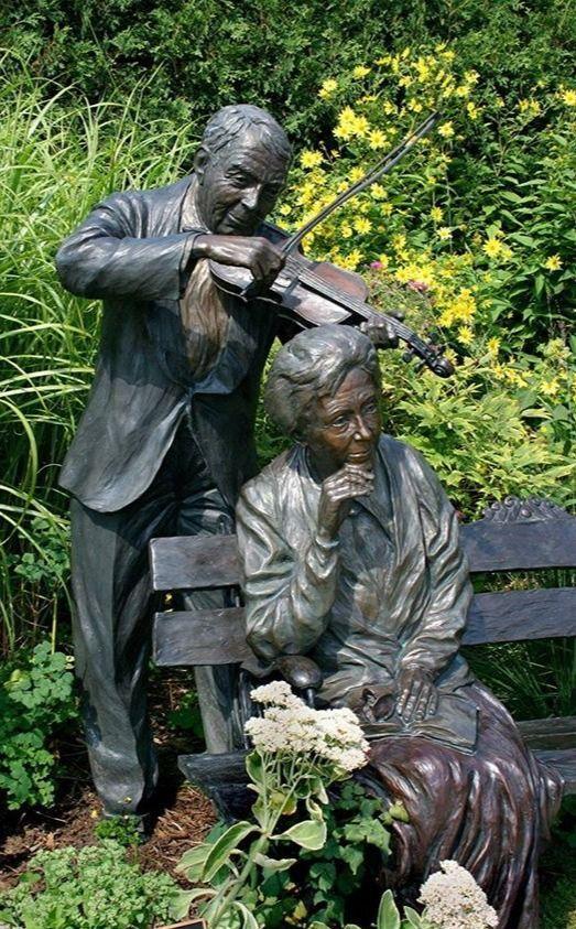 Life Size Bronze Sculpture Grandparents Sitting On Bench Garden statue