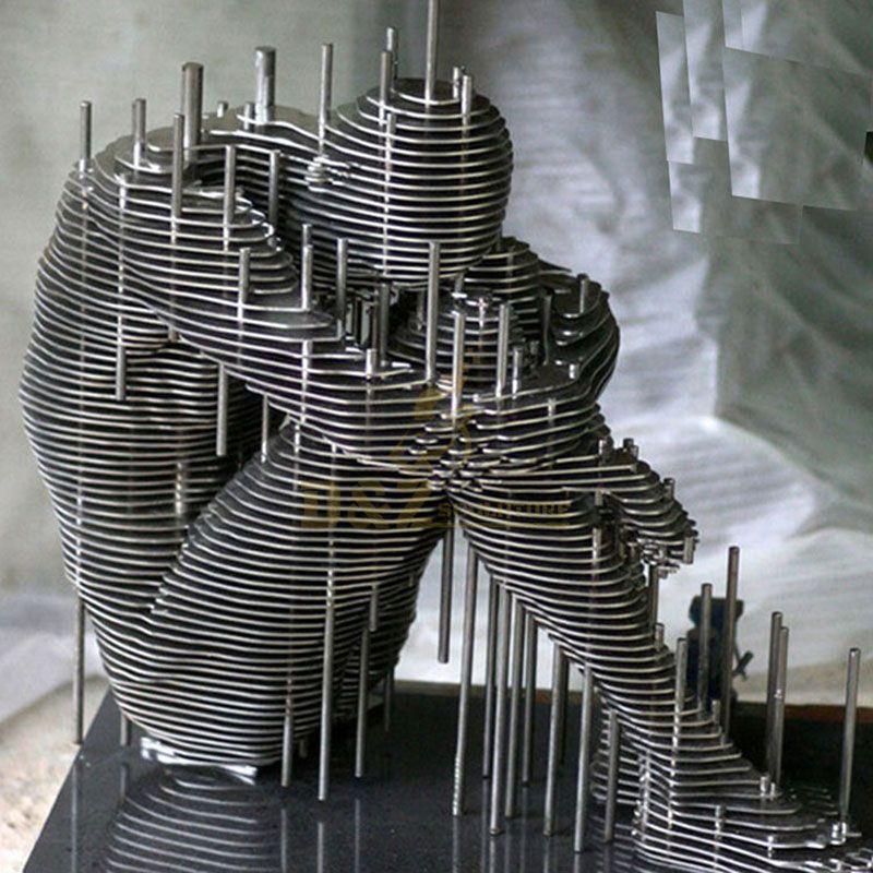 Famous Stainless Steel Figure Art Sculpture