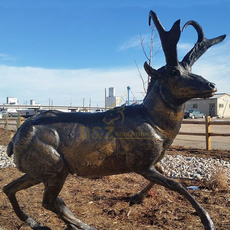Outdoor Running Metal Casting Bronze Antelope Sculpture