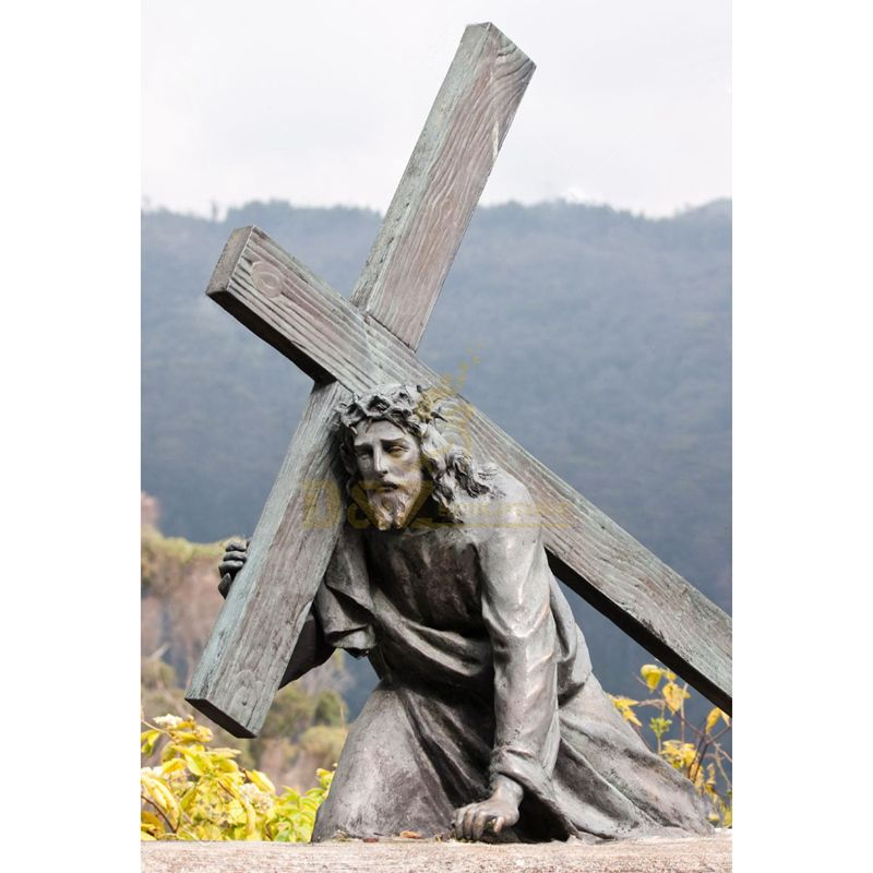 Metal Material Bronze Jesus Statue On The Cross