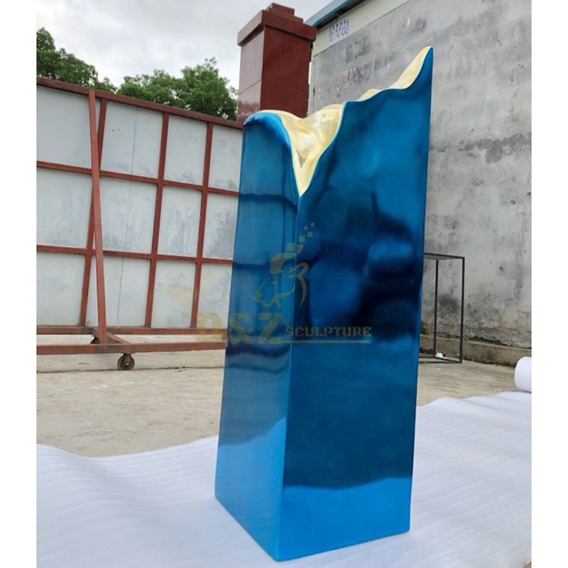 Outdoor large mirror polished rectangular stainless steel sculpture