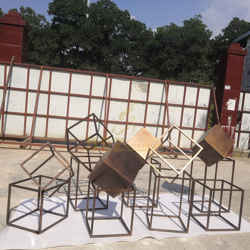 Mirror Polished Surface Stainless Steel Metal Geometric Sculpture
