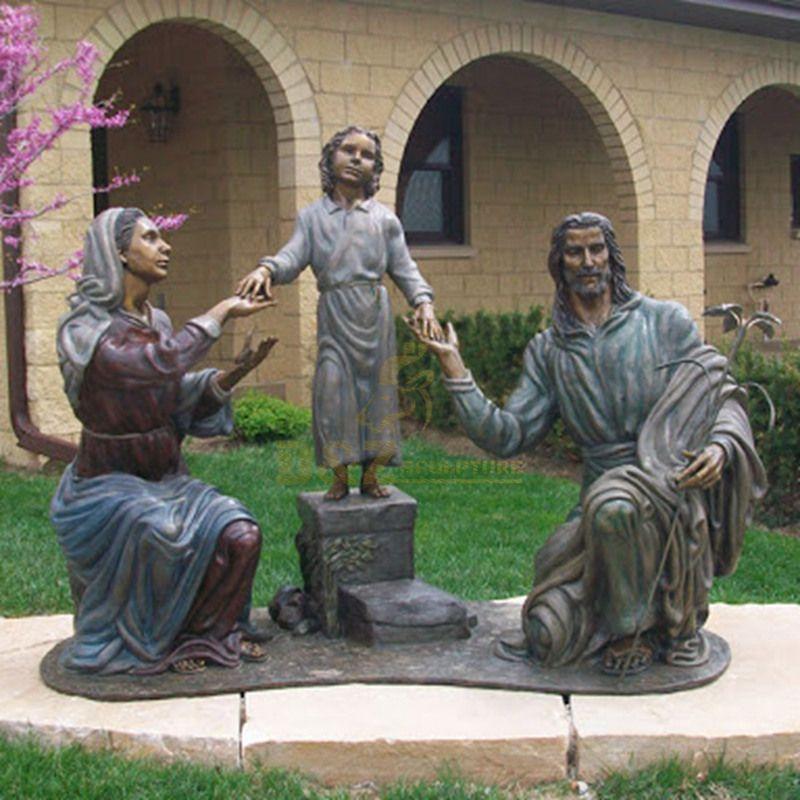 Famous Christian Life Size Bronze Holy Family Celebrate Jesus' Birth Statue