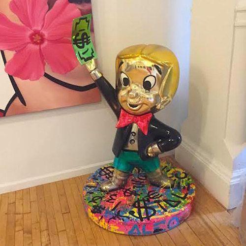 Custom Resin Cartoon Sculpture Fiberglass Famous Monopoly Statue