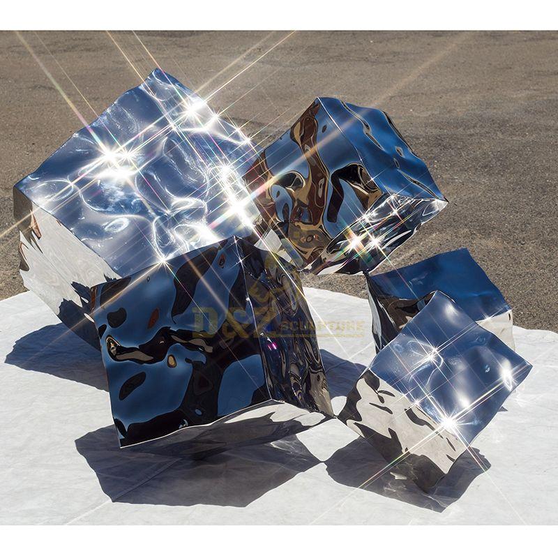 Modern Art Metal Outdoor Mirror Decoration Stainless Steel Cube Sculpture