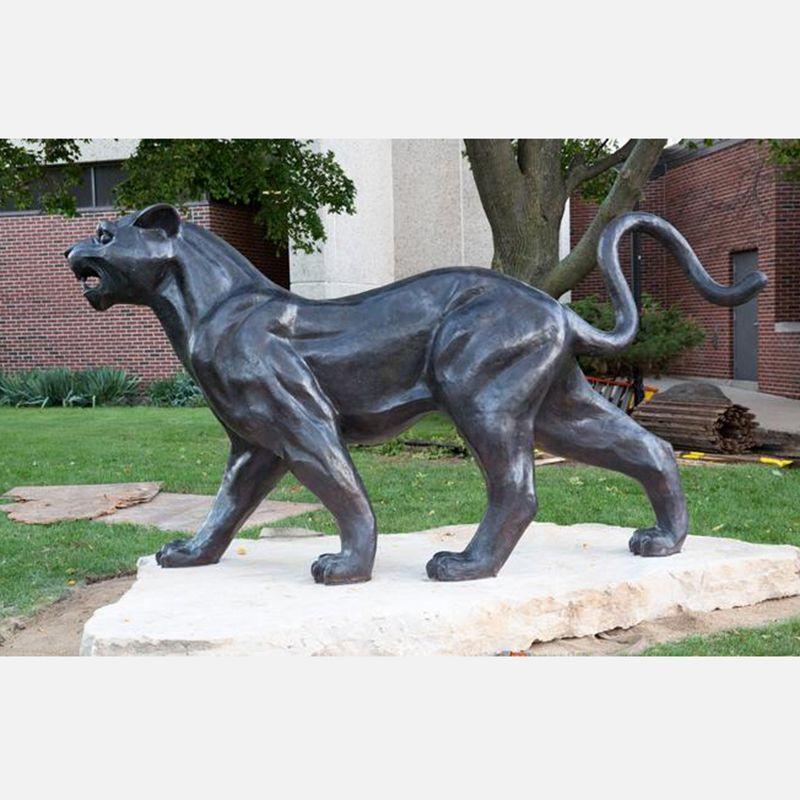 Hot sale casting Bronze Fighting Black Panther Sculpture for sale