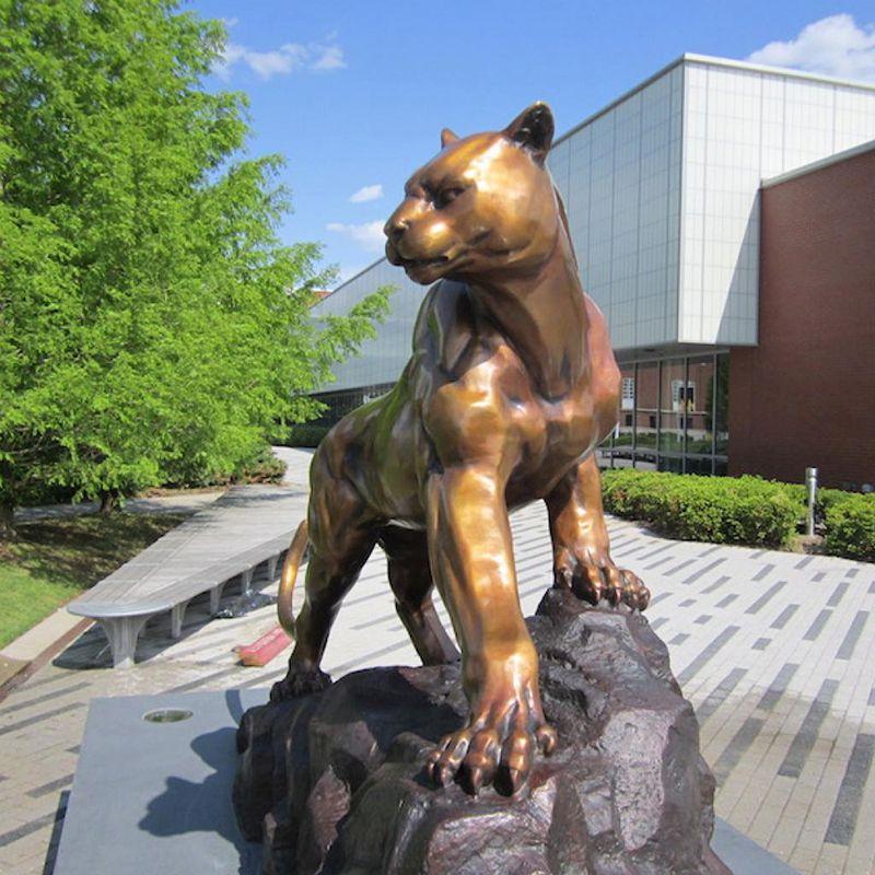 Vivid design casting bronze animal wild panther sculpture