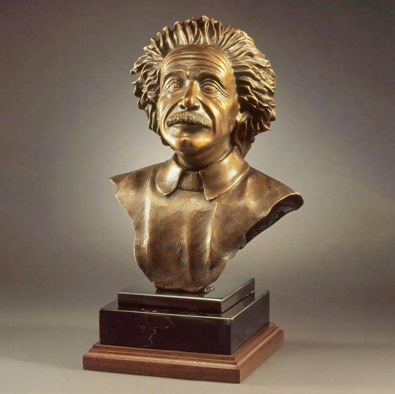Famous figure custom Einstein bronze statue