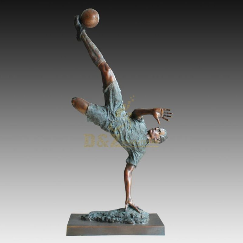 Famous Life Size Sport Bronze Football Player Statue
