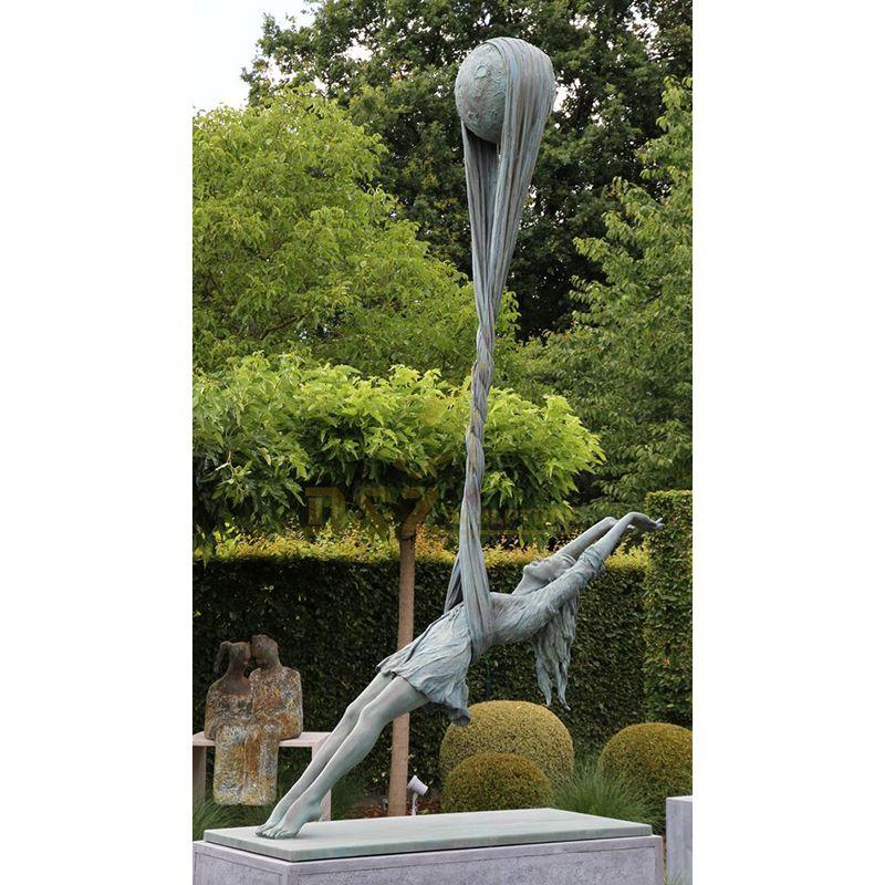 Metal craft life size bronze girl dancing garden statue