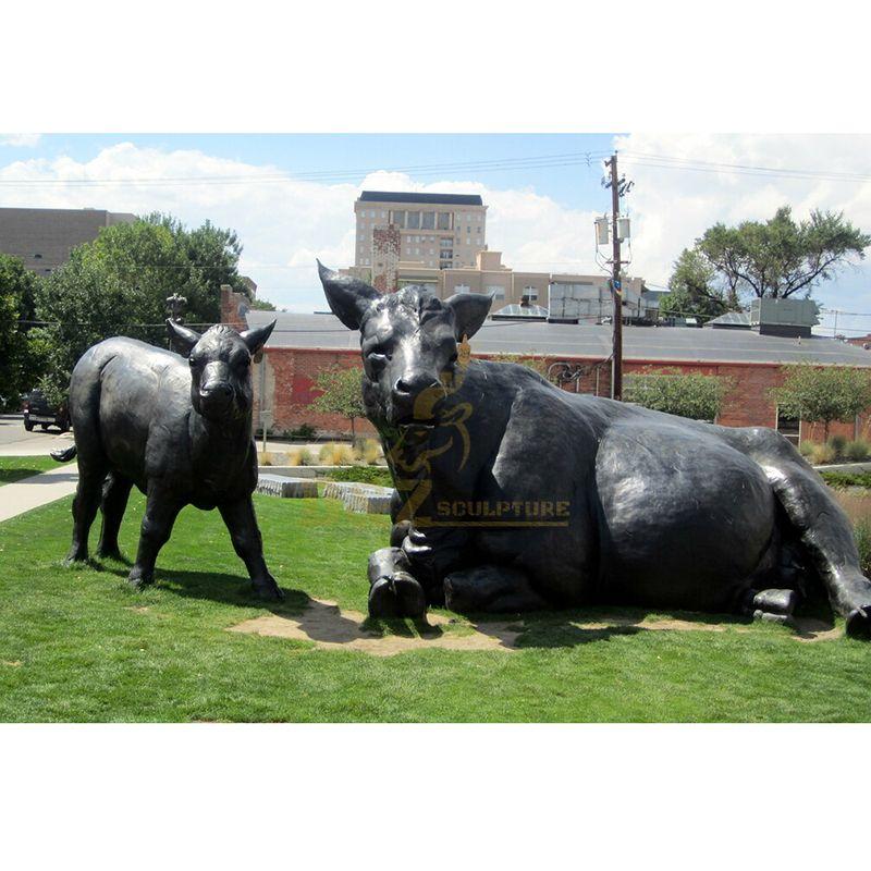 Decorative Animal Statue Casting Outdoor Bronze Calf Sculpture
