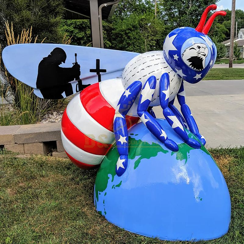 Custom Animal Life Size Cartoon Fiberglass Resin Bees Statue