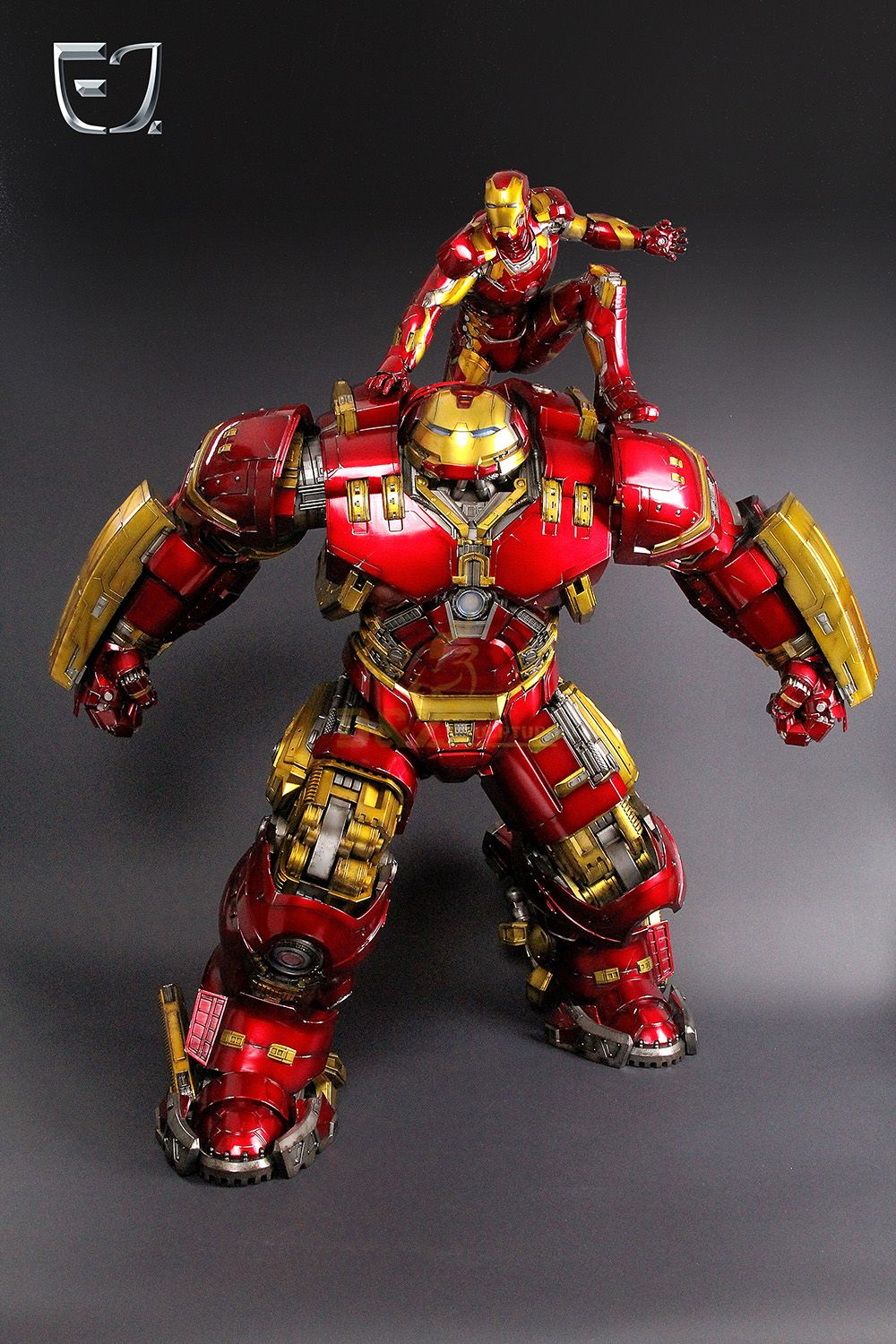 Life size iron man  statue for sale