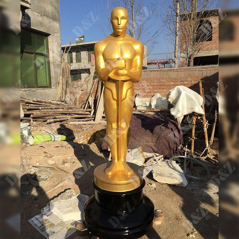 Large-Scale Oscar Statue Made Of Fiberglass Material