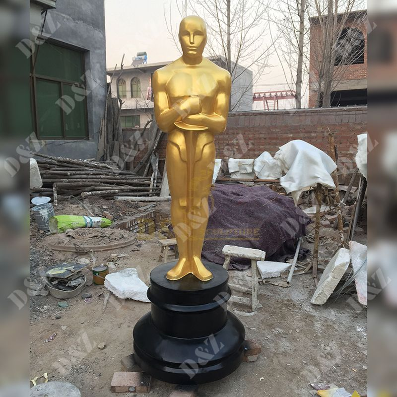 Large-Scale Oscar Statue Made Of Fiberglass Material